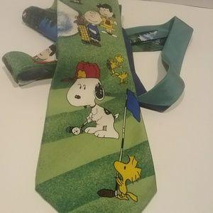 Snoopy golfing tie